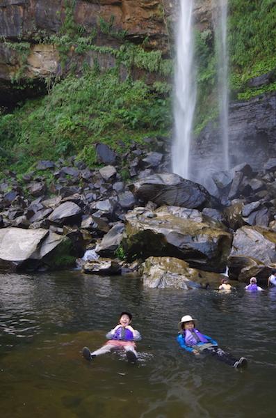 一人旅に人気の西表島でカヌーツアーそしてピナイサーラの滝へ行く!